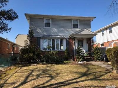 Fresh Meadows Single Family Home For Sale: 53-48 199 St