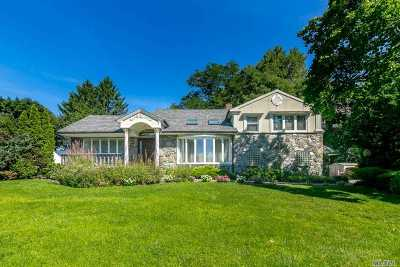 Great Neck Single Family Home For Sale: 10 Links Dr