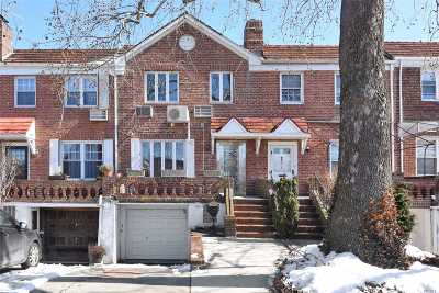 Fresh Meadows Single Family Home For Sale: 73-41 Utopia Pky