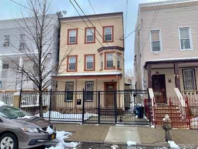 Brooklyn Multi Family Home For Sale: 171 Miller Ave