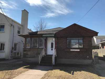 Single Family Home For Sale: 16512 69th Ave