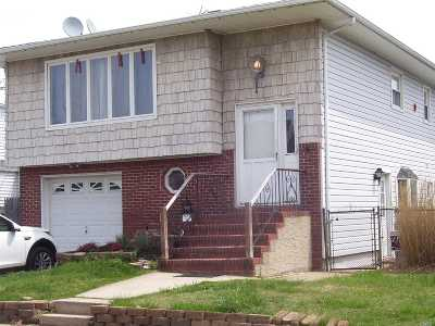 Lindenhurst Single Family Home For Sale: 101 Surf Rd