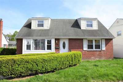 Floral Park Single Family Home For Sale: 461 Louis Ave
