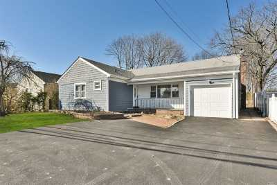 E. Rockaway Single Family Home For Sale: 346 Main St
