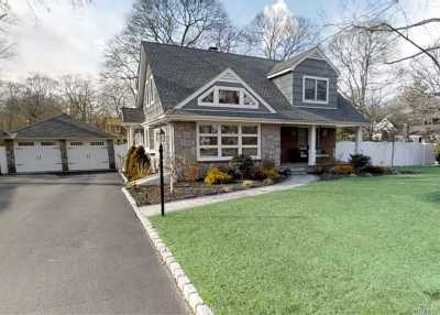 Center Moriches Single Family Home For Sale: 2 Florence Pl