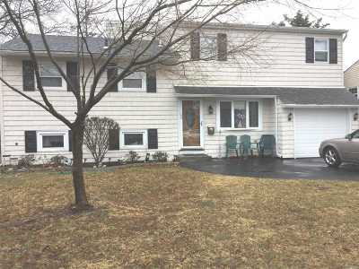 Lindenhurst Multi Family Home For Sale: 1020 N Ontario Ave
