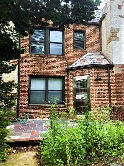 Forest Hills Single Family Home For Sale: 68-19 Ingram St