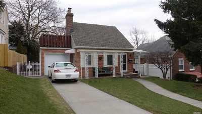 Little Neck Single Family Home For Sale: 53-21 251 Pl