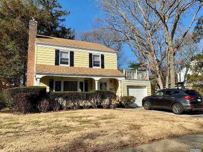 W. Hempstead Single Family Home For Sale: 896 Cleveland St
