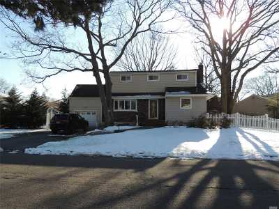 N. Massapequa Single Family Home For Sale: 106 East Dr