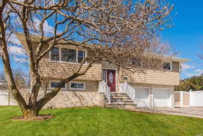 East Meadow Single Family Home For Sale: 1865 Front St