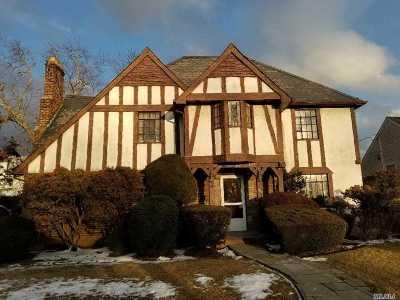 Rockville Centre Single Family Home For Sale: 421 N Long Beach Rd