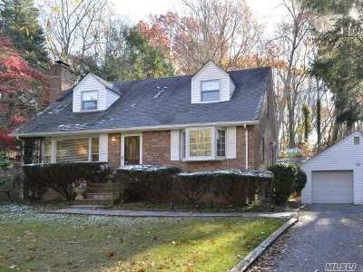 Woodbury Single Family Home For Sale: 12 Winthrop Dr