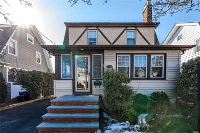 New Hyde Park Single Family Home For Sale: 72 Fulton Ave