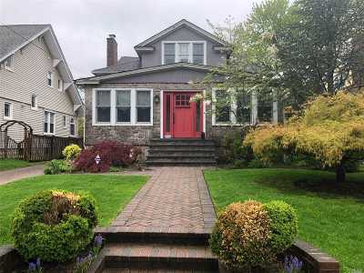 Rockville Centre Single Family Home For Sale: 22 Varick Ct