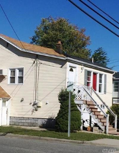 Nassau County Single Family Home For Sale: 715 New York Ave