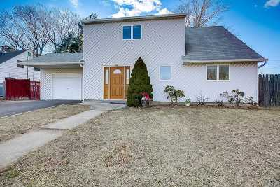 Levittown Single Family Home For Sale: 12 Coppersmith Rd