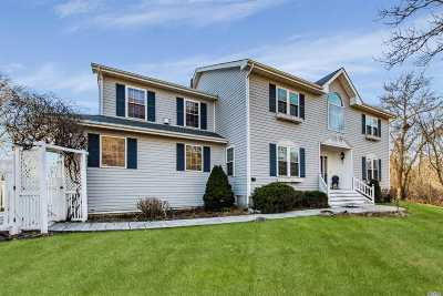 Montauk Single Family Home For Sale: 2 Clearview Dr