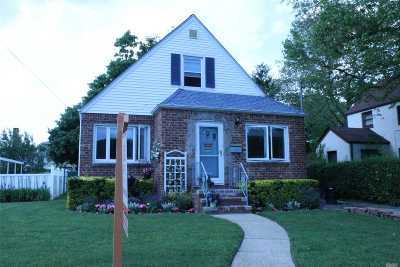 New Hyde Park Single Family Home For Sale: 1737 Belmont Avenue