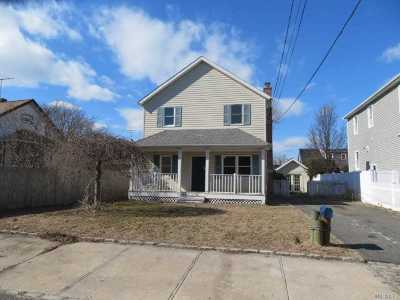 Nassau County Single Family Home For Sale: 15 2nd Ave