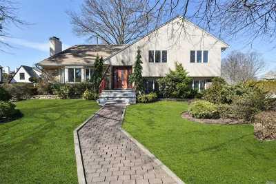 Garden City Single Family Home For Sale: 86 Hampton Rd