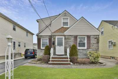 Mineola Single Family Home For Sale: 207 Frank Ave