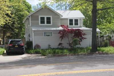 Bay Shore Single Family Home For Sale: 167 5 Ave