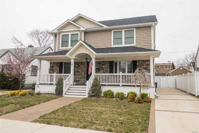 Bellmore Single Family Home For Sale: 12 Airway Dr