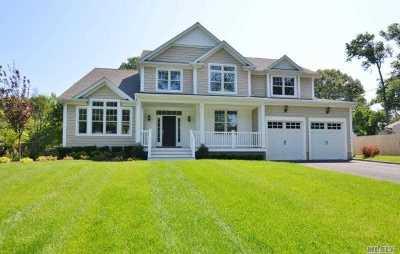 Centerport Single Family Home For Sale: 137 Little Neck Rd