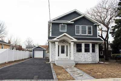 Hicksville Single Family Home For Sale: 98 Raymond St
