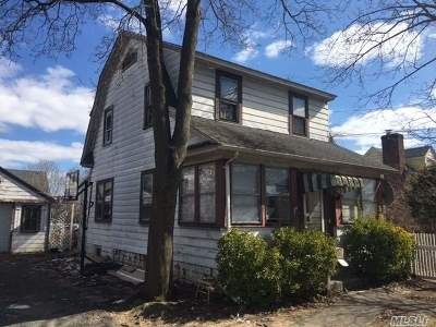 W. Hempstead Single Family Home For Sale: 821 Monroe St