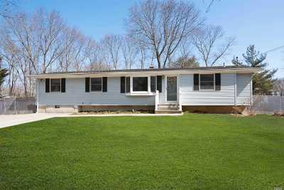 E. Setauket Single Family Home For Sale: 3 Herd Ln