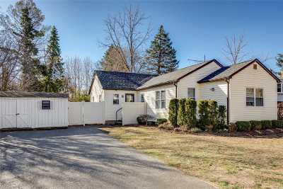 Huntington Single Family Home For Sale: 40 Maplewood Rd