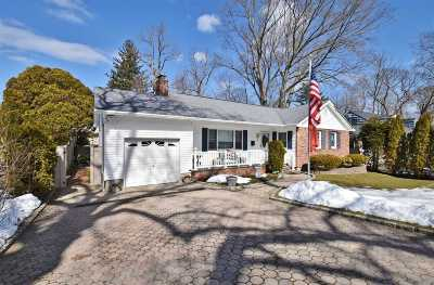 Huntington NY Single Family Home For Sale: $565,000