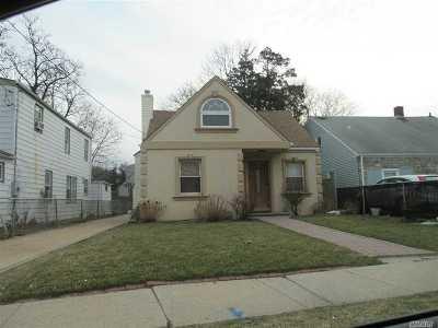 Freeport Single Family Home For Sale: 75 Babylon Tpke