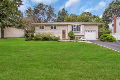 Commack Single Family Home For Sale: 42 Seneca Dr