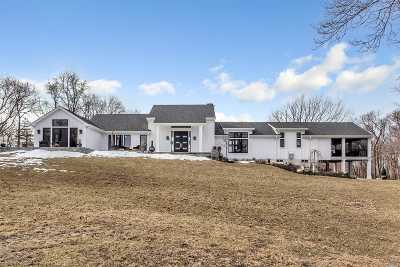 Setauket Single Family Home For Sale: 8 Woodcock Ln