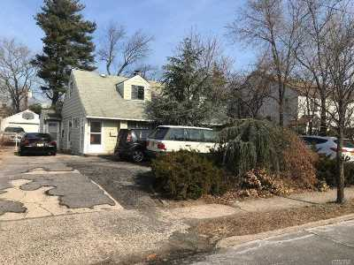 Valley Stream Multi Family Home For Sale: 1278 Dutch Broadway
