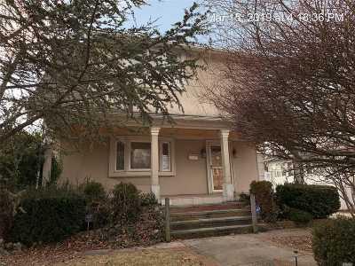 Freeport Single Family Home For Sale: 78 Elliot Pl