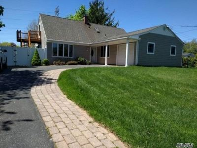 S. Setauket Single Family Home For Sale: 64 Balin Ave