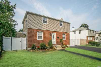 Merrick Single Family Home For Sale: 2004 Bellmore Ave