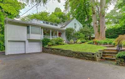 Roslyn Single Family Home For Sale: 2 Hickory Hill