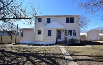 Copiague Single Family Home For Sale: 655 S Strong Ave
