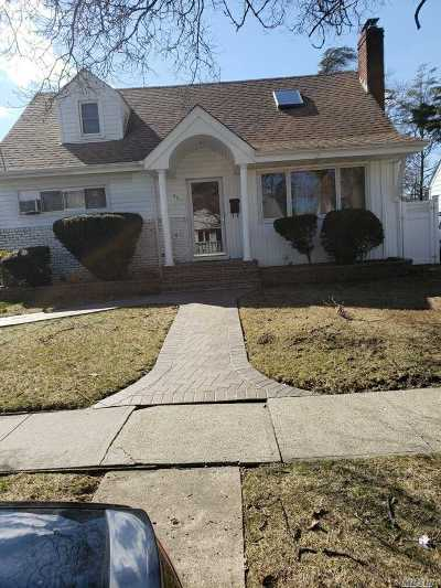 Nassau County Single Family Home For Sale: 40 Branch Ave