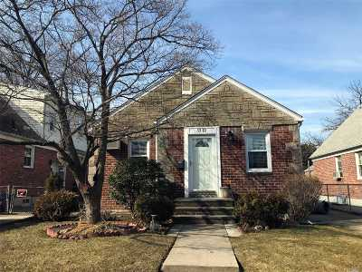 Fresh Meadows Single Family Home For Sale: 53-12 198th Street