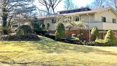 Melville Single Family Home For Sale: 40 Cottontail Rd