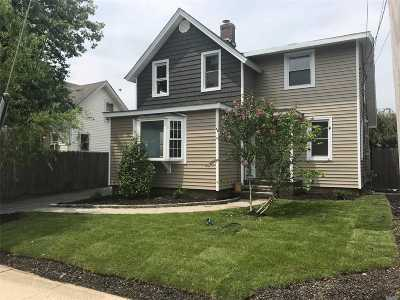 Bay Shore Single Family Home For Sale: 17 S Union St