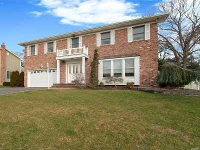 Hauppauge, Nesconset Single Family Home For Sale: 26 Townline Ct