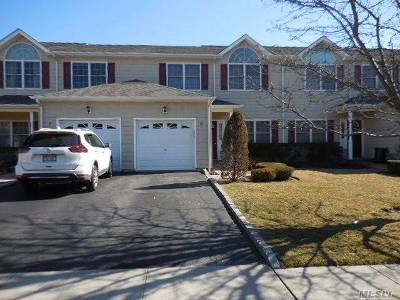 Huntington Sta NY Condo/Townhouse For Sale: $399,900
