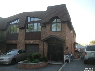 Whitestone Multi Family Home For Sale: 1905 Clintonville St